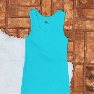 • Gap • blue snug tank top